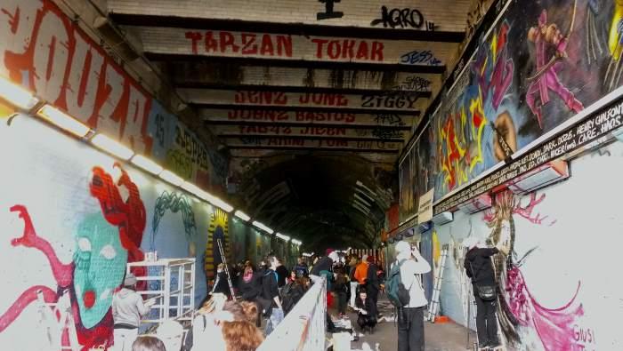 tunel banksy 5