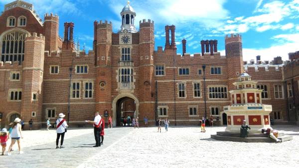 hampton-court-palace-londres-1