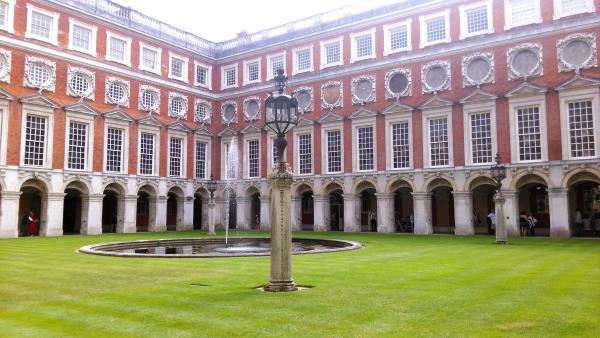 hampton-court-palace-londres-2