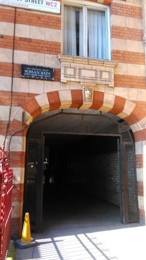 El baño romano de Londres... que no es romano ...