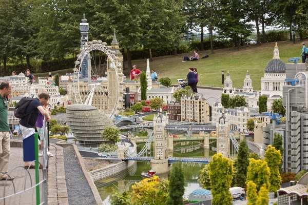 Legoland Windsor Londres contruido con piezas de Lego