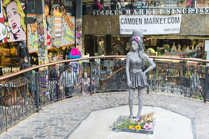 Estatua Amy Winehouse Camden Town