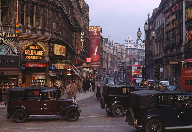 Piccadilly Circus - Shaftesbury Avenue